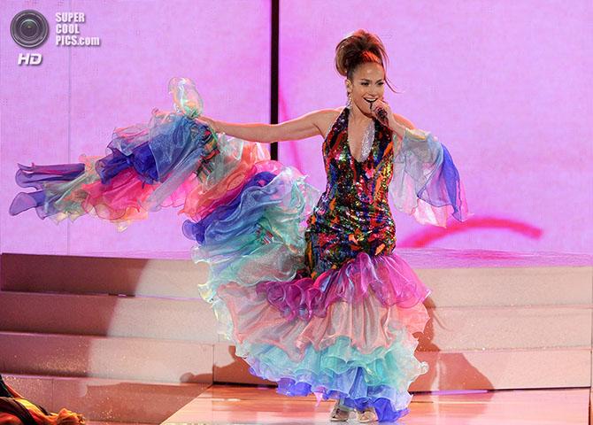 Шоу-презентация конкурсанток «Мисс Вселенная 2012»
